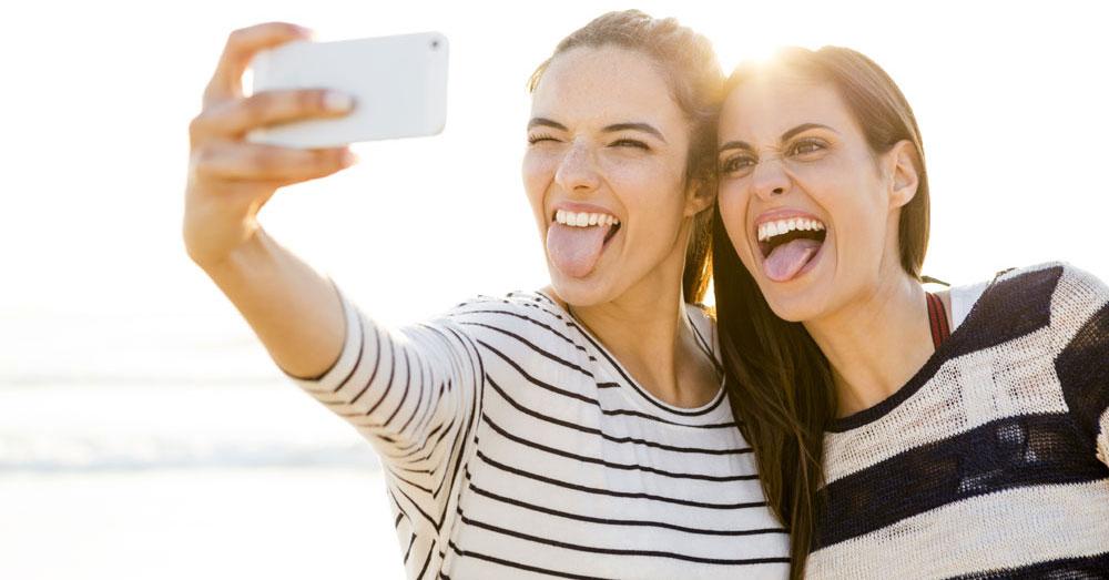 Frasi Divertenti Sull Amicizia Le 50 Piu Spiritose Allegre E Simpatiche